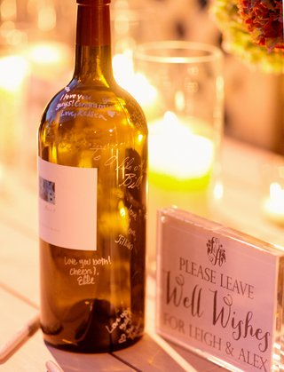 wine-bottle-used-as-guest-book