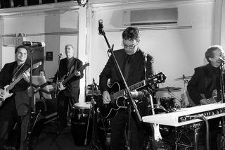 black-and-white-photo-of-live-wedding-band