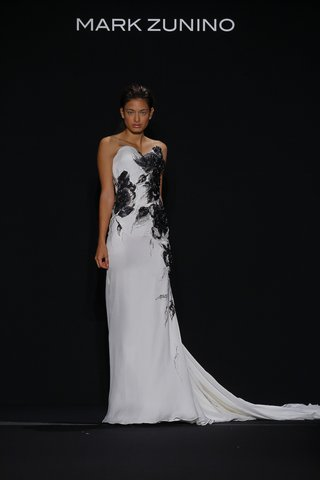 mark-zunino-for-kleinfeld-2016-black-and-white-wedding-dress-with-black-feather-motif-applique