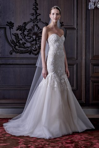 mermaid-gown-with-tulle-skirt-and-appliques-on-bodice