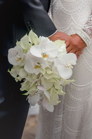 bridal-bouquet-with-phalaenopsis-orchids-and-calla-lilies
