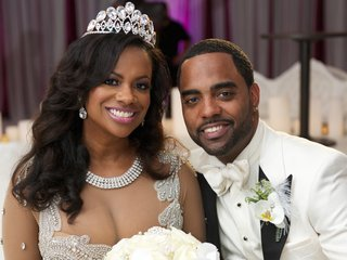 kandi-burruss-from-the-real-housewives-of-atlanta-wore-a-sparkling-necklace-and-tiara-on-her-wedding
