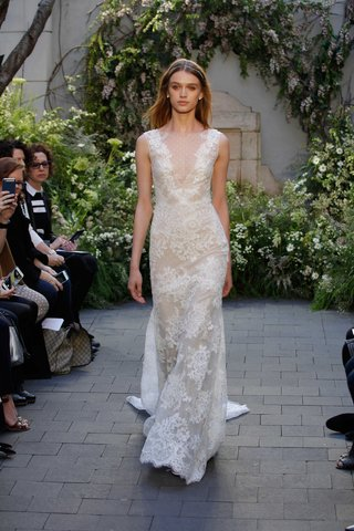 monique-lhuillier-spring-2017-summer-wedding-dress-with-lace-embroidery-sleeveless-trumpet-gown