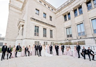 wedding-party-bridesmaids-in-light-purple-dresses-groomsmen-in-tuxedos-chicago-landmark-venue