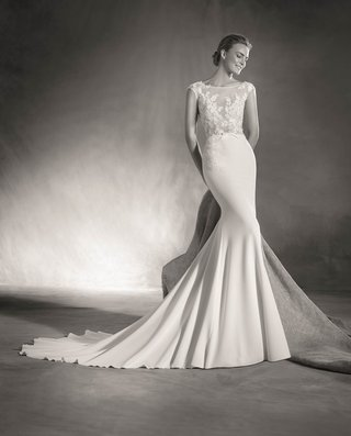 atelier-pronovias-2017-elsa-wedding-dress-with-illusion-bodice-flower-details-mermaid-skirt