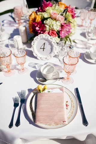pink-wine-glasses-pink-napkins-pink-tableware-table-number