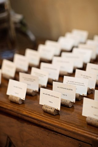 wedding-place-card-table-with-faux-wine-cork-place-card-holders
