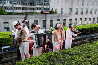 elan-artists-cart-blanche-jazz-musicians-on-rooftop