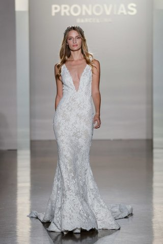 pronovias-2017-estela-trumpet-plunging-neckline-guipure-lace-tulle-wedding-dress