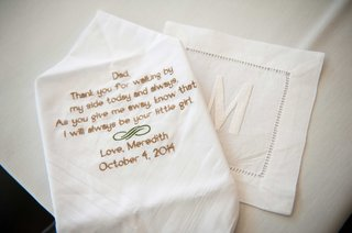 father-of-the-bride-theme-wedding-with-handkerchief-featuring-sweet-poem-note