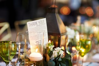 rustic-wedding-tablescape-with-thank-you-card-from-couple