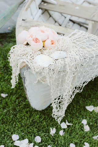 beach-wedding-shabby-chic-rowboat-with-seashells