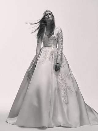 black-and-white-photo-of-elie-saab-bridal-spring-2017-ball-gown-embroidery-with-bolero-jacket