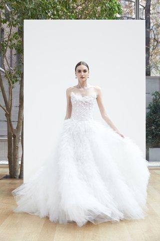 ashanti-oscar-de-la-renta-spring-2018-ivory-tulle-ball-gown-ruched-bodice-handkerchief-skirt