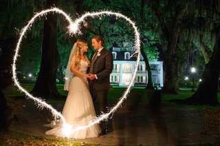 sparkler-firework-designs-wedding-portraits