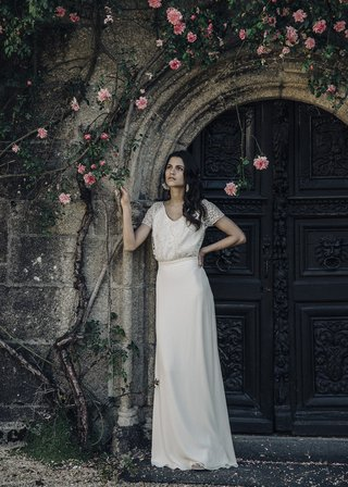 laure-de-sagazan-2017-collection-beauregard-cap-sleeve-gown-v-neck-lace-long-sleek-skirt