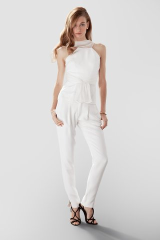 white-blouse-and-pants-by-aideux