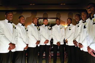 jarett-dillard-wedding-groomsmen-in-white-jackets