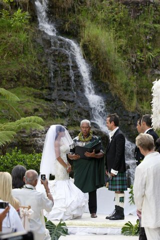 angus-mitchell-co-owner-of-paul-mitchell-systems-and-his-bride-at-their-hawaiian-wedding-ceremony