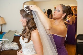 bride-with-sparkling-headband-and-long-bridal-veil