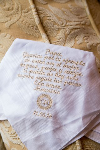white-handkerchief-for-father-of-bride-embroidery-in-gold-thread-monogram-and-wedding-date-spanish