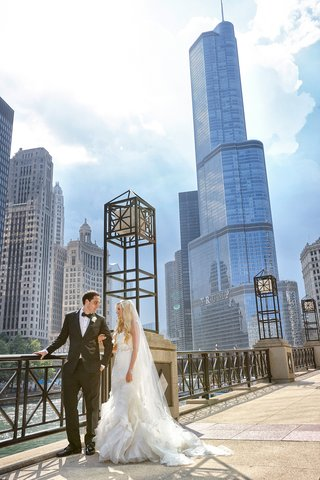 bride-in-vera-wang-gown-groom-in-tuxedo-chicago-skyline
