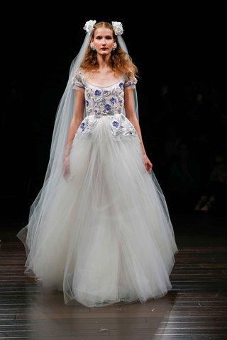 naeem-khan-bridal-fall-2017-pompei-short-sleeve-ball-gown-wedding-dress-blue-flower-embroidery-scoop