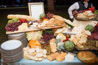 lavish-charcuterie-board-for-wedding-cocktail-hour