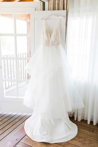 bridal-gown-wedding-dress-white-v-neck-gown-hayley-paige