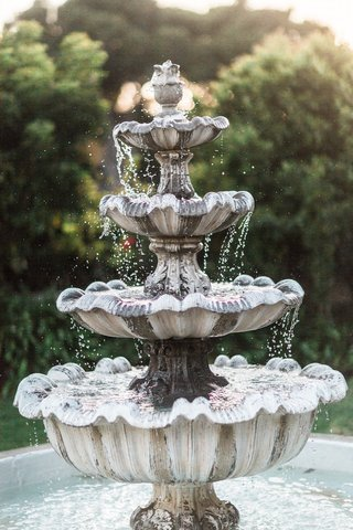 garden-fountain-at-la-jolla-womans-club-california