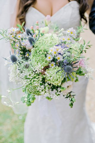 bride-natural-wildflower-bouquet-daisies-thistles-greenery-pink-blue-english-british-wedding