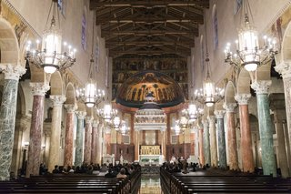 st-andrews-catholic-church-in-pasadena-california-marble-columns-pretty-altar
