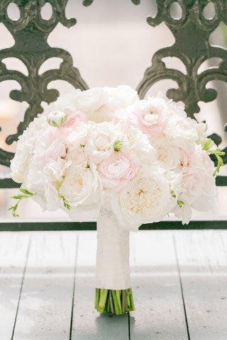 brides-bouquet-of-white-garden-roses-pink-ranunculuses