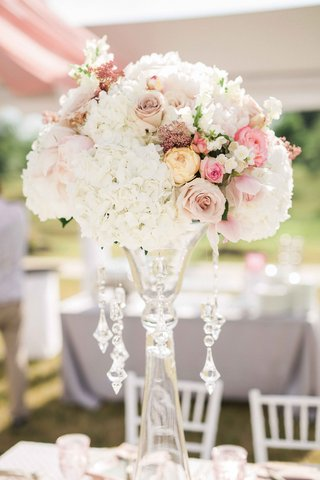 garden-roses-sweet-peas-tuberose-rice-flower-and-hydrangea-clear-vase-crystals