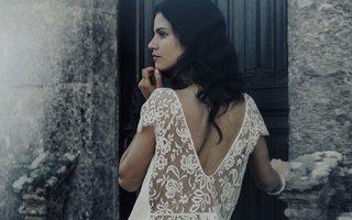 laure-de-sagazan-2017-collection-renard-blouse-open-v-back-lace-details