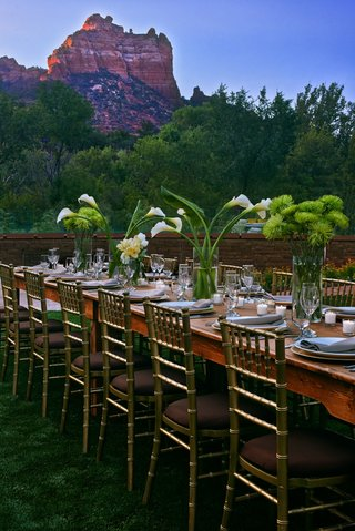 outdoor-receptions-feature-views-of-sedonas-red-rocks