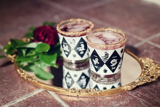 wedding-reception-cocktails-in-glasses-with-a-black-and-white-pattern-zodiac-signs