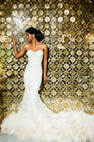 inbal-dror-structured-bodice-textured-mermaid-gown-with-train-of-ivory-and-nude