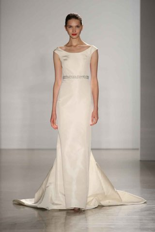 amsale-fall-2016-bateau-neckline-wedding-dress