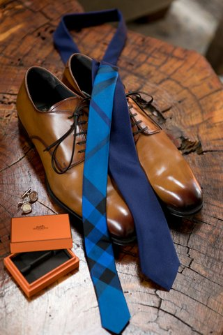 light-brown-groom-shoes-navy-tie-with-bright-blue-plaid-detail