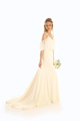 eugenia-couture-joy-collection-fall-2017-wedding-dress-loretta-crepe-silk-chiffon-sleeves-lace
