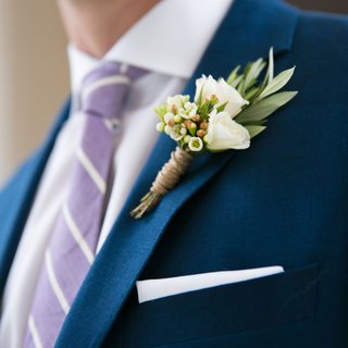 montreal-canadiens-hockey-player-brian-flynn-delicate-white-and-green-boutonniere