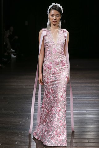 naeem-khan-fall-2018-pink-gown-embroidered-with-roses-and-ribbon-detail