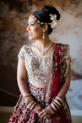bride-traditional-red-metallic-ensemble-sari-indian-hindu-jewelry-up-do-headpiece