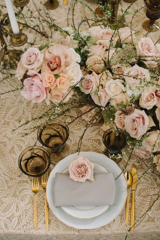 light-vintage-taupe-tablescape-linen-floral-table-runner-shades-of-pink-roses-gold-silverware