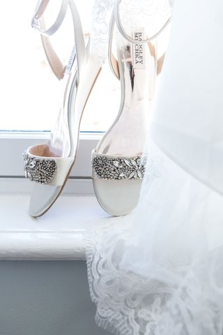 white-wedding-shoes-with-jewel-rhinestone-crystal-toe-strap-and-ankle-strap-white-wedding-heels