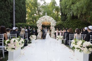 wedding-ceremony-the-beverly-hills-hotel-neutral-color-palette-blush-and-ivory-white-aisle-runner