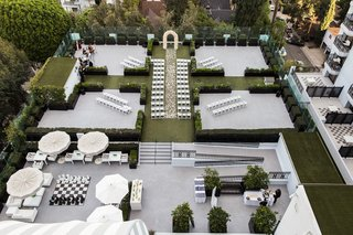 birds-eye-view-of-rooftop-ceremony-at-the-london-west-hollywood