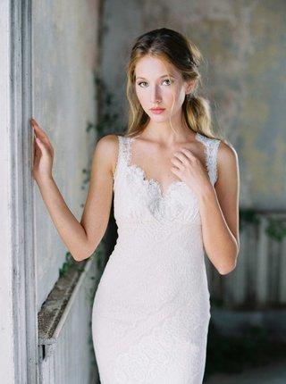 romantique-by-claire-pettibone-lace-scallop-neckline-wedding-dress