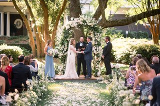 outdoor-wedding-small-bridal-party-maid-of-honor-in-blue-best-man